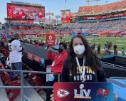 uci school of nursing alum and clinical instructor kim hicks went to super bowl lv in february 2021